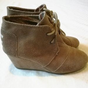 Toms Desert Suede Lace Up Wedge